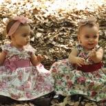 As gêmeas Clara e Larissa, com um aninho!